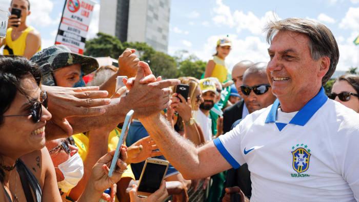 Presiden Bolsonaro Menghadapi Krisis